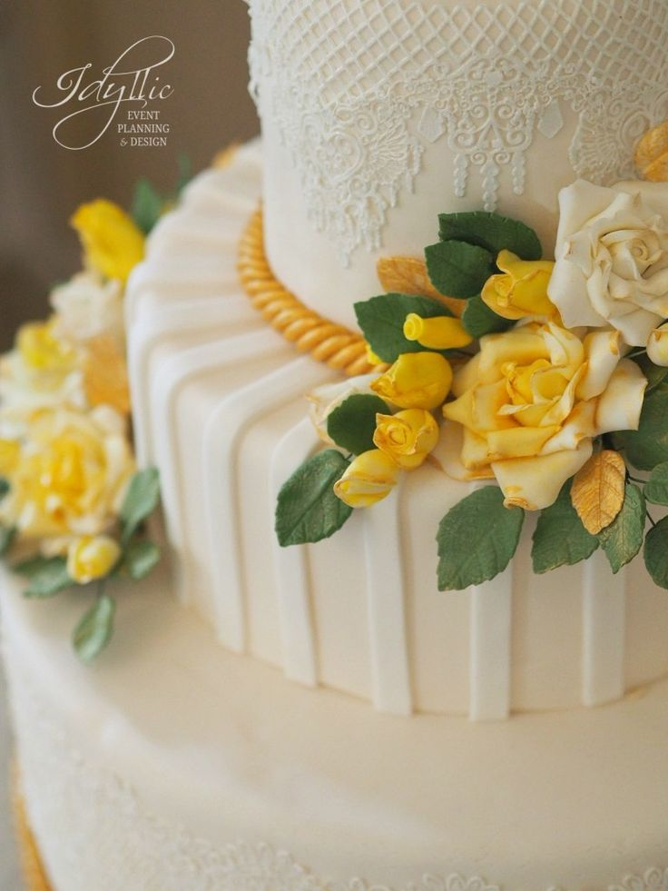tort nunta productie si design Idyllic | romantic wedding cake with lace and sweet yellow roses