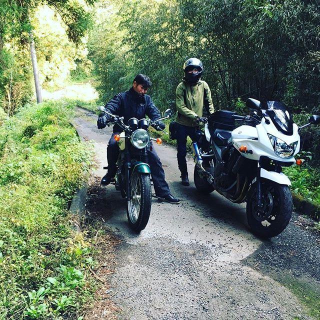 【nobuyuki8686】さんのInstagramをピンしています。 《#バイク #トライアンフ#ボンネビル #林道#トンネル #千葉#房総 #ツーリング #triumph #bonneville #バイクが好きだ #instagood #likeforlike#自然#森#バイクのある風景 #友達》