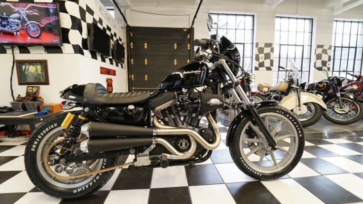 1988 Harley Davidson 883 Sportster Café' Racer Clean Title In Hand for this absolutely Gorgeous, One-Of a Kind, World-Class Custom; Over $15,000.00 Invested including over $11,000.