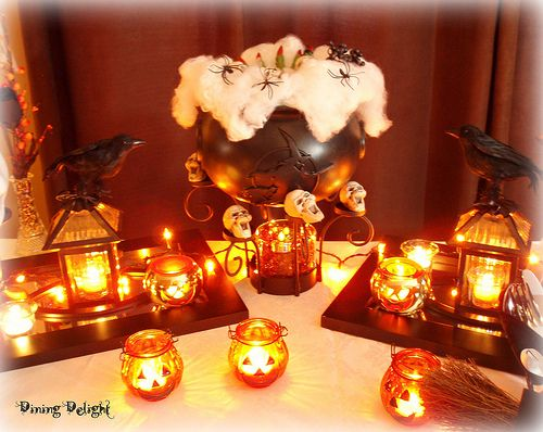 dining delight halloween 2012 - Halloween Centerpieces