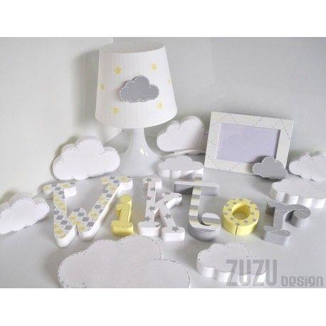 Literki, chmurki, lampka i ramka na zdjęcia