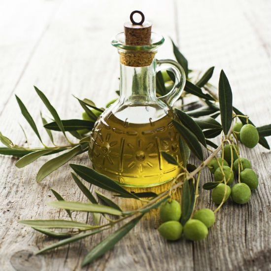 Olio di oliva rimedio perfetto per i problemi della pelle e dei capelli