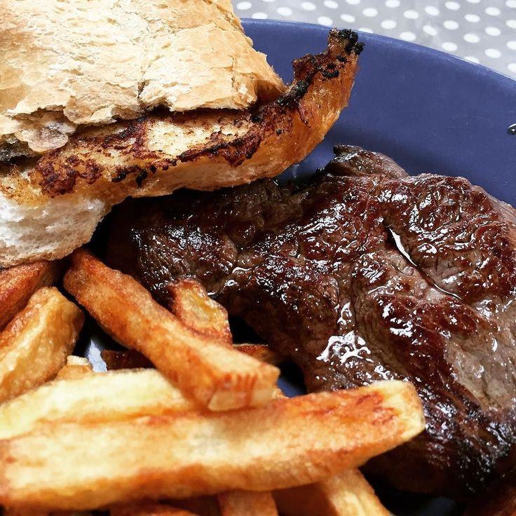 cuisinedemememoniq:  Steak de cheval avec des frites #viande #steak #frite #cuisine #food #homemade #faitmaison N'hésitez pas à nous demander la recette nous la publierons dans notre blog http://ift.tt/2nr5K9O #eat #foodporn #instagood #photooftheday #yummy #sweet #yum #Instafood #dinner #fresh #eatclean #foodie #hungry #foodgasm #tasty #eating #foodstaggram #cooking #inspiration #foodpics #french http://ift.tt/2wq9VVu #1/2heure #Lille #balade