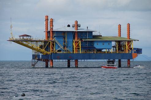 Une plate-forme pétrolière transformée... en centre de plongée !