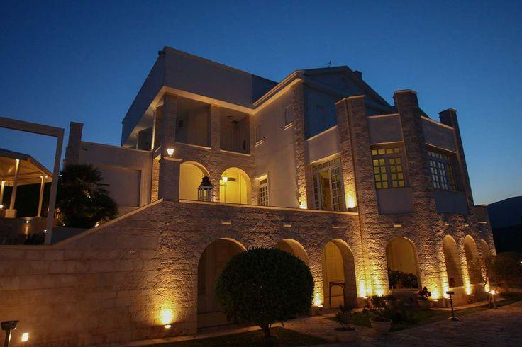 Ένα ρομαντικό κτήμα με πισίνα στο Κορωπί. Κτήμα Villamia.gr για μία αξέχαστη γαμήλια δεξίωση.