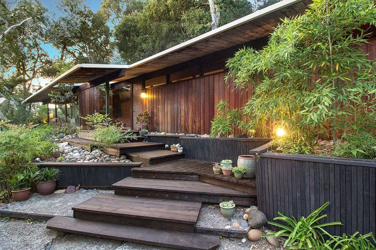 Charmant The First Impression You Are Likely To Get Of This Mid Century House Is Its