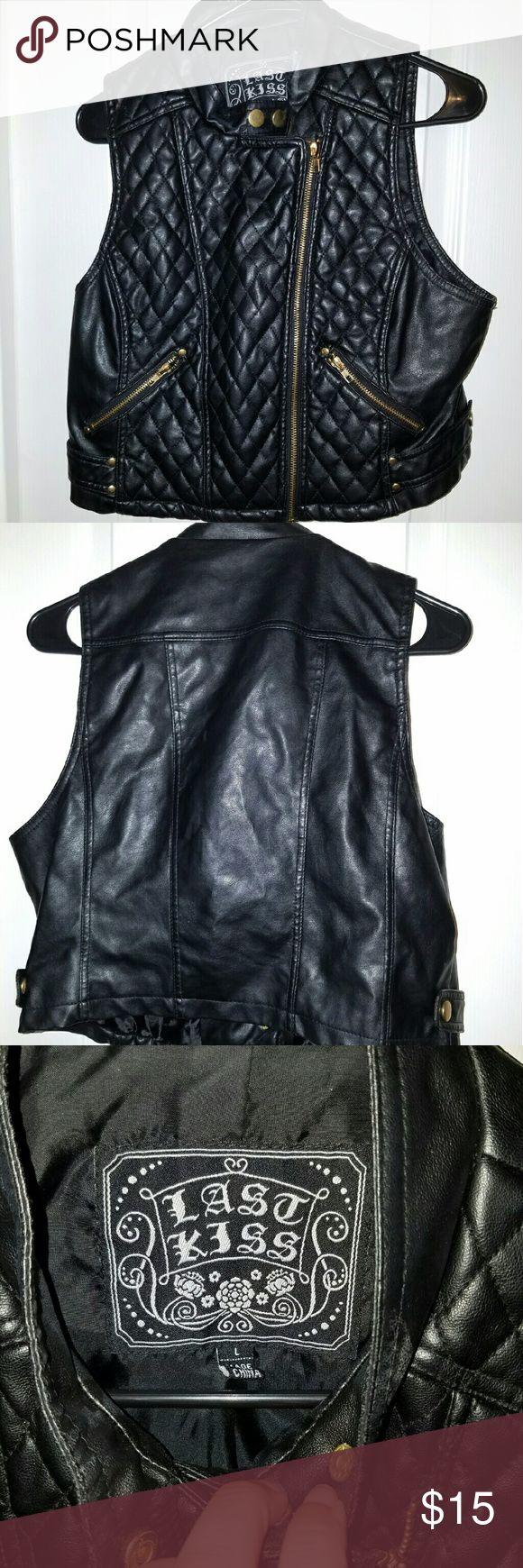 Vest faux leather biker vest Biker vest adds a little edge to your wardrobe faux leather quilted Jackets & Coats Vests