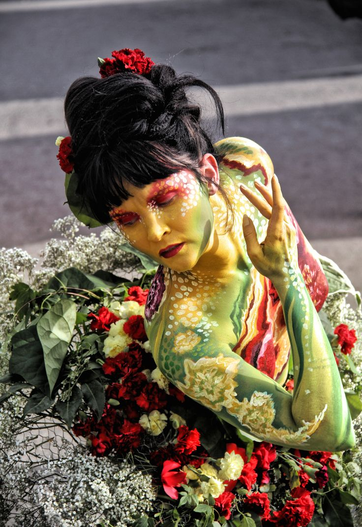 Flower Girl. Bodypaint by Riina Laine #Bodypainting #Hdr #Dark #Colors #Flowers