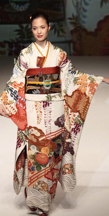Yukiko Hanai designed this silk furisode. 2012, Japan.