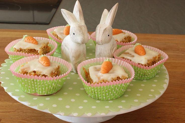 Sallys Blog - Möhrenkuchen / Rüblikuchen mit Vanillefrosting