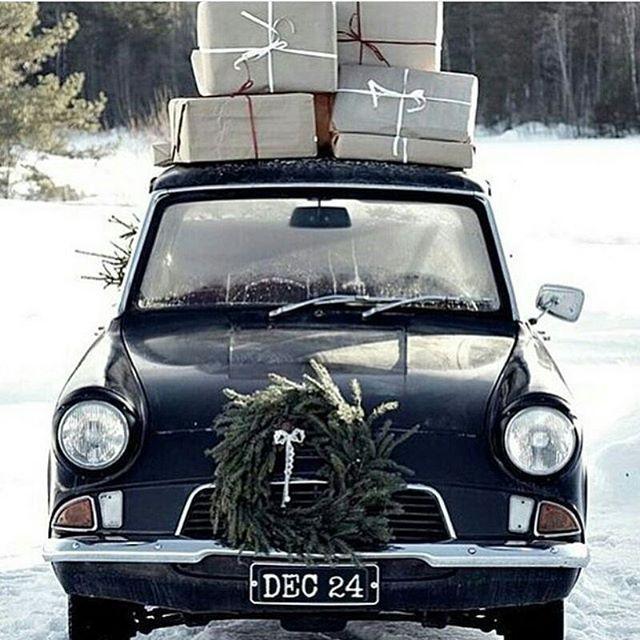 Laatste dagje voor kerst om nog net de allerlaatste boodschappen in huis te halen. Ik ga straks ook nog even, zal wel een gekkenhuis zijn in de winkels maar ook wel weer gezellig. En dan vanavond naar mijn ouders voor een gezellig kerstavondje. Zin in. Fijne dag allemaal! __________________________________________ #kerst #kerstsfeer #kerstinkopen #gezellig #samenzijn #kerstviering