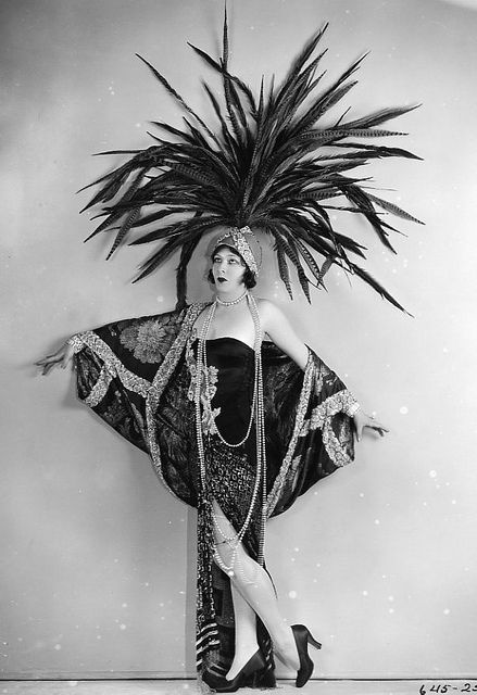 hoodoothatvoodoo:  Ziegfeld Follies  I want to wear this to work today. Instead I'm settling for jeans and a black shirt. At least my jewellery will be 1920s!