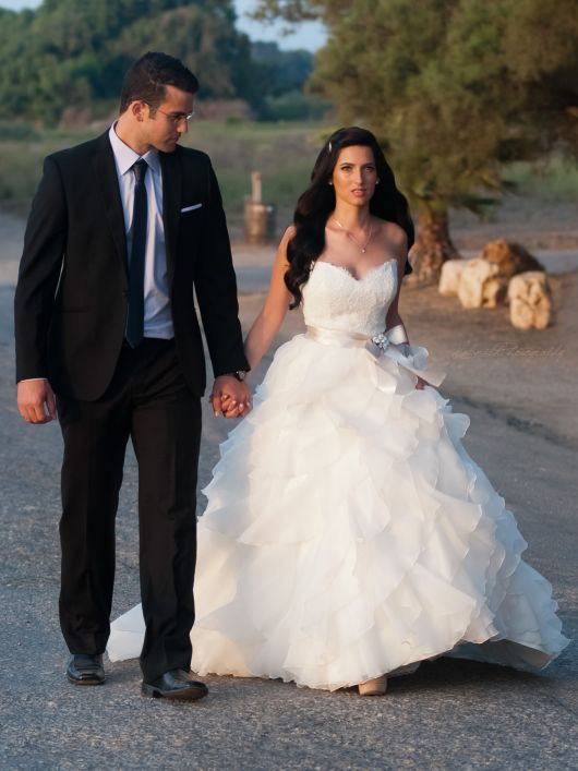 Tarryn and lior paloma blanca wedding dresses for Wedding dress for 5ft bride