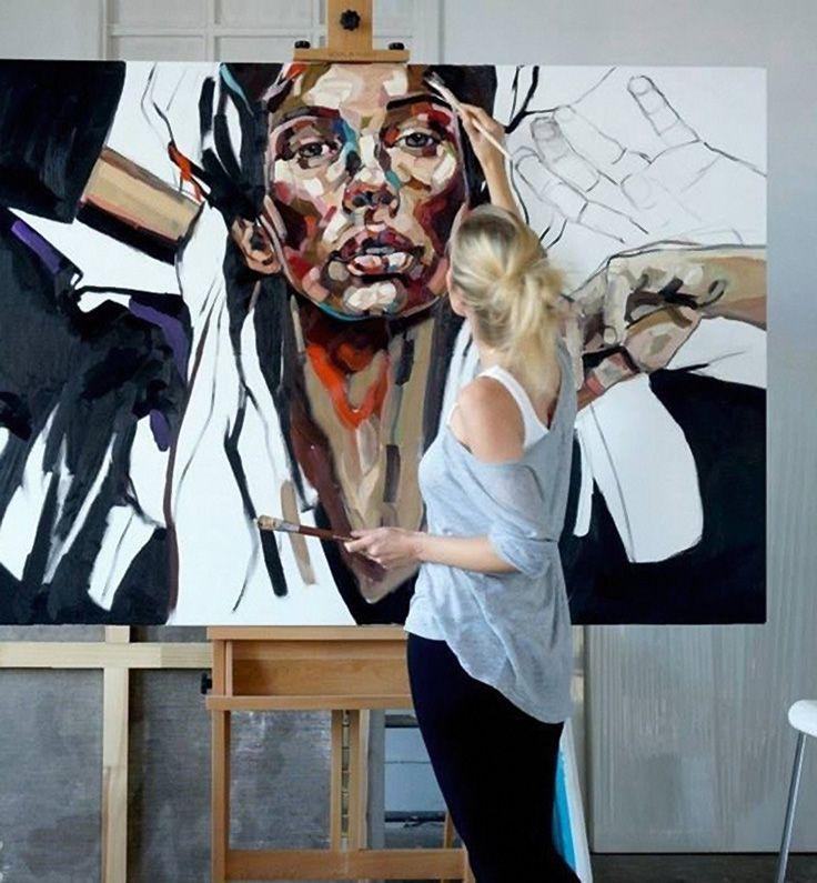 Anna Bocek painting in her Poland atelier, art studio #workspace.