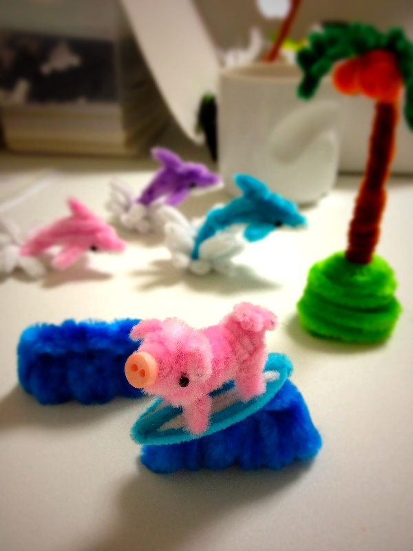 153 best images about pipe cleaner crafts on pinterest for Pipe craft