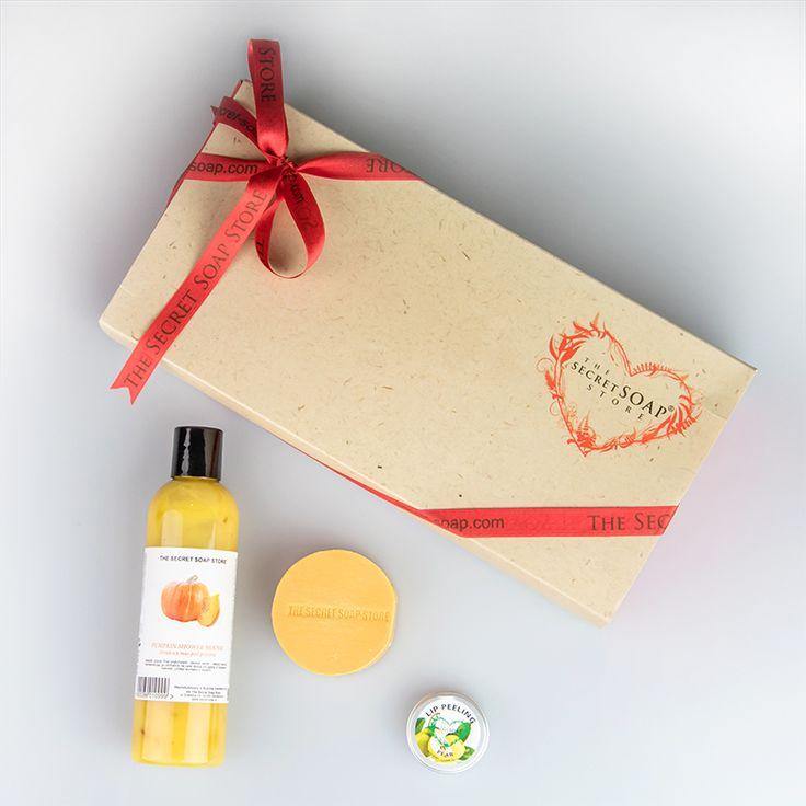 Zapraszamy do naszej fabryki prezentów, gdzie znajdziesz zestaw naturalnych kosmetyków dla każdego i na każdą okazję! <3 Więcej tutaj: http://secret-soap.com/fabryka-prezentow-192 #giftideas #gift #naturalgift #cosmeticset