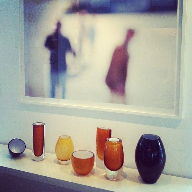 @gallerifinearts photo: Nyheter i galleriet! Vakker glasskunst av Anne Haavind og foto av Johs. Bøe. #annehaavind #johsbøe
