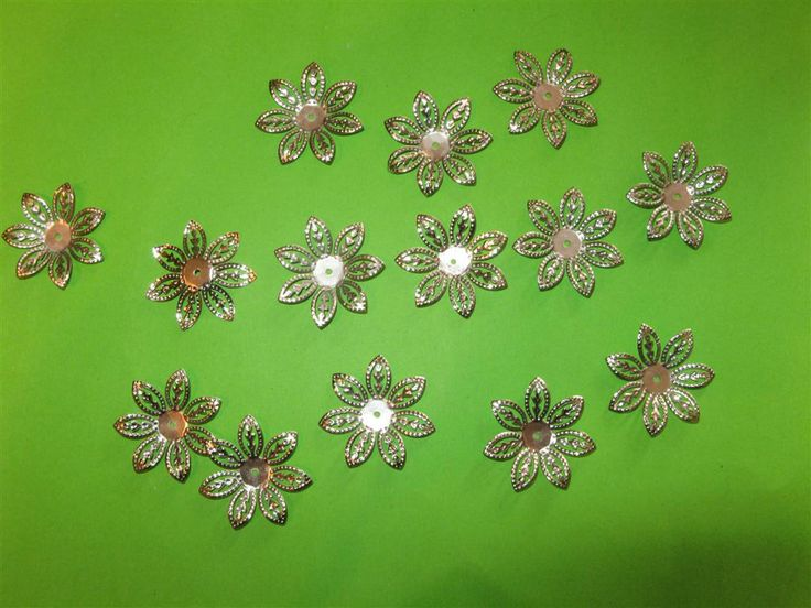 Metal flowers 25mm (20 pcs)