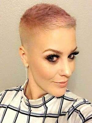 Cheveux rasés: idée hairstyle cheveux courtroom authentic