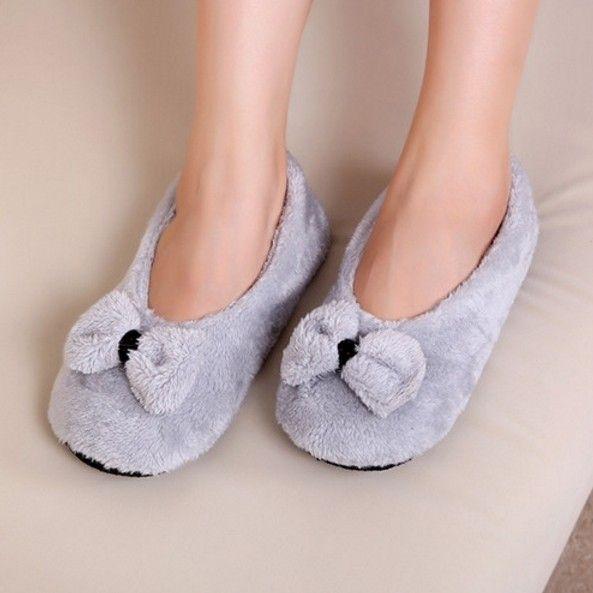 Krásné dámské pantofle ŠEDÉ – SLEVA 60% a POŠTOVNÉ ZDARMA Na tento produkt se vztahuje nejen zajímavá sleva, ale také poštovné zdarma! Využij této výhodné nabídky a ušetři na poštovném, stejně jako to udělalo již …