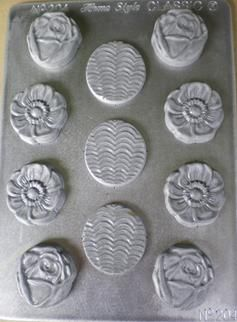 A fantastic flower delight chocolate mould from the NZ made Home Style Chocolates chocolate mold range, helping you make yummy creations!