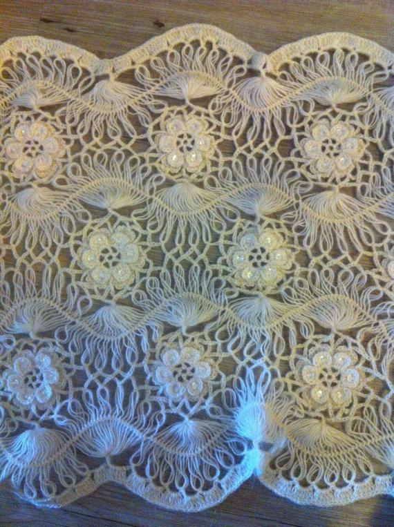 Xale de crochê de grampo com junções florais