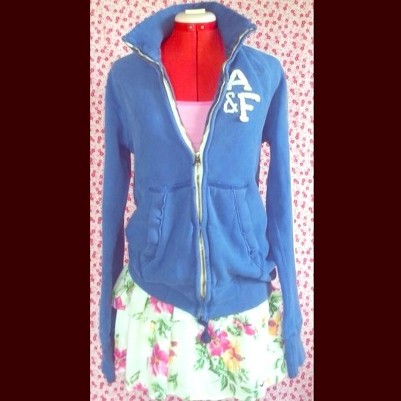 """Abercrombie & Fitch New York Blue and White Zip Up Abercrombie and Fitch """"New York"""" - Blue and white zip-up sweater. Very warm! Men's tag size small/Fits women's size Medium Abercrombie & Fitch Sweaters"""