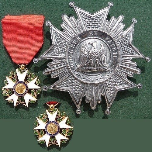 French Empire Order Legion of Honor Napoleon Bonaparte.Grand Cross of the  French Imperial Order of the Legion of Honour (lot in superb condition)    - Star Officer (similar to the first type 1804), with French Emperor Napoleon I on the front and Imperial Eagle with the motto Honneur et Patrie overleaf, bronze medal in gold plated (stamp on ring), enamel green - blue - white - red, with red ribbon;    - Plate Great Eagle (head turned to the left as the first type of 1805) , silvered bronze…