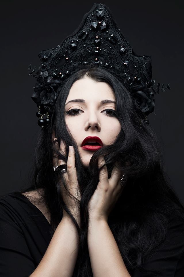 """...•ᘛ Thistle ★ Sisters ᘚ•... Black Queen. """"Photographed by Laurent Pnce. Headpiece by Aw-K Headdresses. Model is Ana-Wanda K."""""""