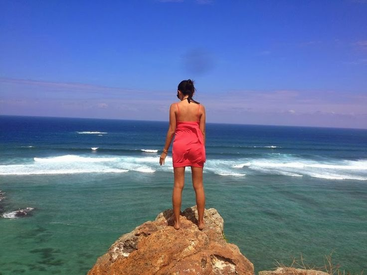 Don't date a girl who travels