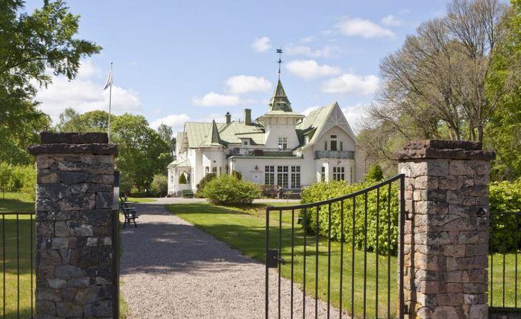 Countryside Hotels Sweden - Villa Gransholm, a Mansion property, located in Småland, Sweden http://www.historichotelsofeurope.com/property-details.html/villa-gransholm