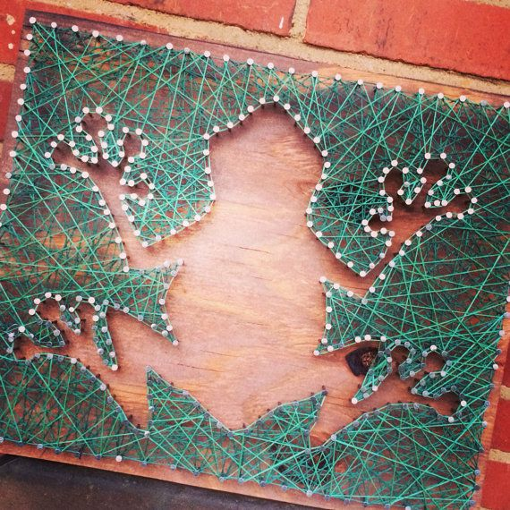 Custom String Art by MagnoliaDesignEE on Etsy - Frog