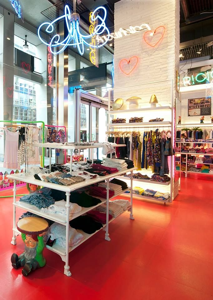 Boutique LOVE THERAPY is Elio Fiorucci's new brand . This new project does not follow a traditional collection philosophy. New small products, jeans, t-shirts and pieces to wear will be proposed to the market on an ongoing basis. Apparel and accessories will always offer functionality, fun and lightheartedness.