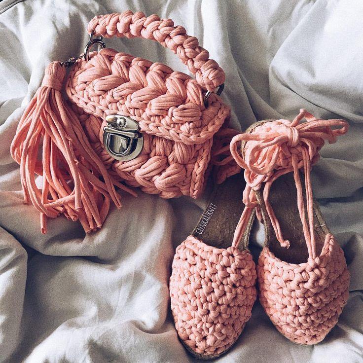 Сумочка скидка 20% TAKE IT,WEAR IT, LOVE IT! #вяжу #вязание #вяжуназаказ #вяжутнетолькобабушки #гомель #беларусь #минск #вязаныйкардиган #knit #knitting_is_love #ig_knitting #knitting_inspiration #knitwear #knitstagram #model #love #beauty #gomel #belarus #трикотажнаяпряжа #пряжалента #сумкакрючком #трикотажнаясумка #ручнаяработа #сумки #мода #стиль