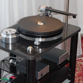 Wand Wienyl 2; The Wand Tonearm Mounted on a Starter (Michell) Turntable with Ortofon Cadenza cartridge, Croft Amplification at the Wien (Vienna) Show November