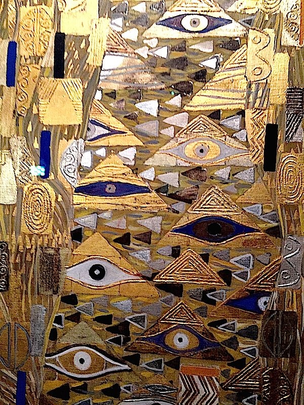 "Gustav Klimt - Portrait of Adele ""Woman in Gold"" - Detail: numerous open-eye and almond shapes"