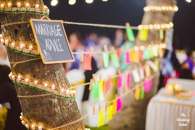 Marriage advice , DIY Decor , Have your guests write down notes of advice and pin to a wire.