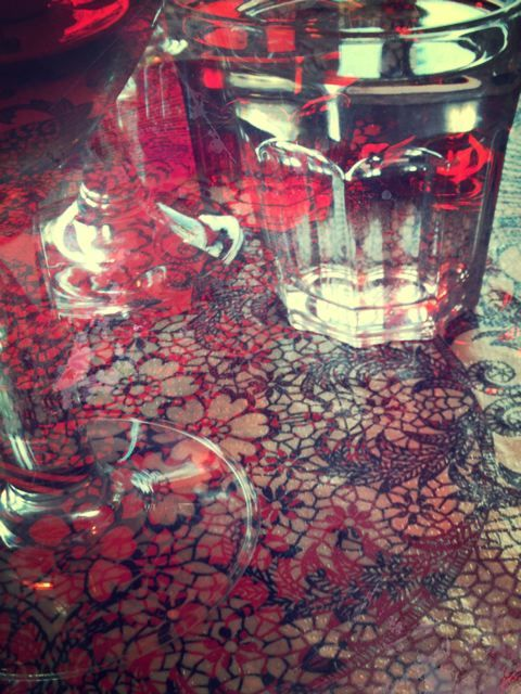 cafe glass layers pattern red