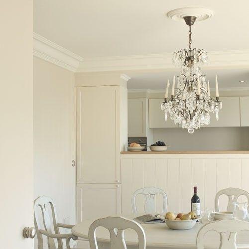 les 25 meilleures id es concernant rosace plafond sur pinterest chaises de salle manger. Black Bedroom Furniture Sets. Home Design Ideas