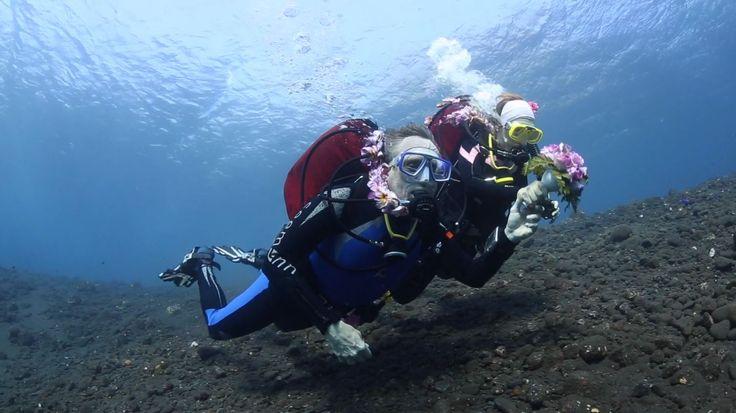 Bali, Tulamben - underwater wedding