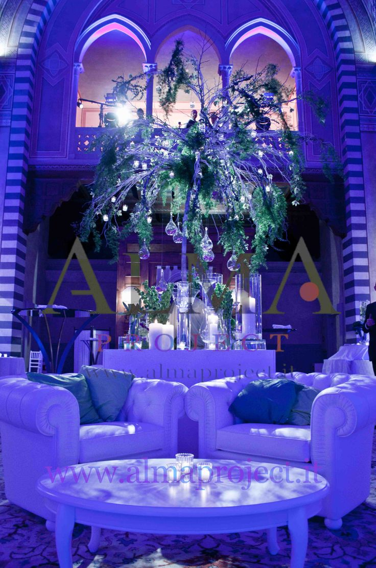 ALMA PROJECT @ Four Seasons Florence - Chesterfield White Sofas - Blue lighting 432