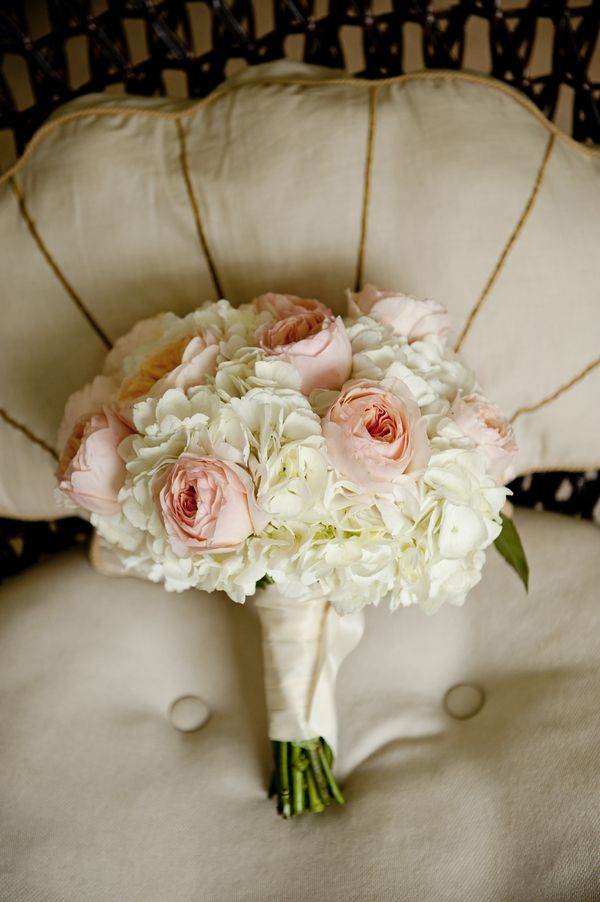 Gorgeous wedding bouquet | photo by Jen Harvey Photography - floral design by Flowers by Allison - to see more: http://www.theperfectpalette.com/2014/03/real-wedding-matt-and-sally.html