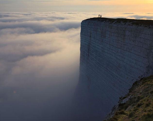 【世界の絶景】 イギリスの美しすぎるドーヴァーの白い断崖って知ってる?天空に繋がっていそうな神秘的な聖地なんだ 海外に反応 | Ayu-Nya EXTRA The World of Today