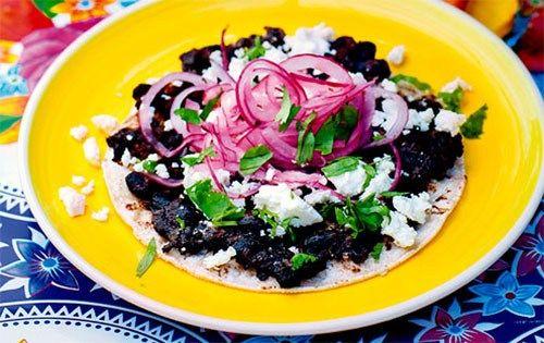 Tacos de frijoles negros – tacos med svarta bönor (recipe in swedish)