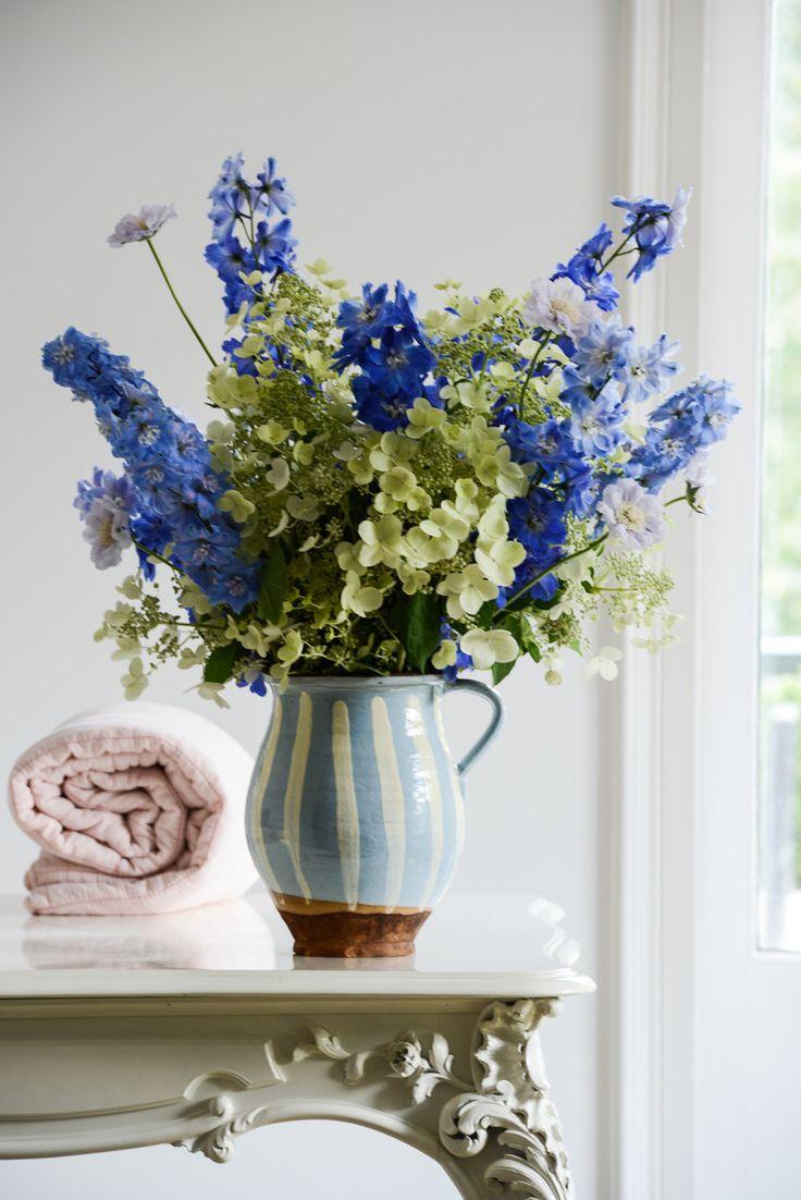 ber ideen zu hortensien arrangements auf pinterest blumenarrangements rosen. Black Bedroom Furniture Sets. Home Design Ideas