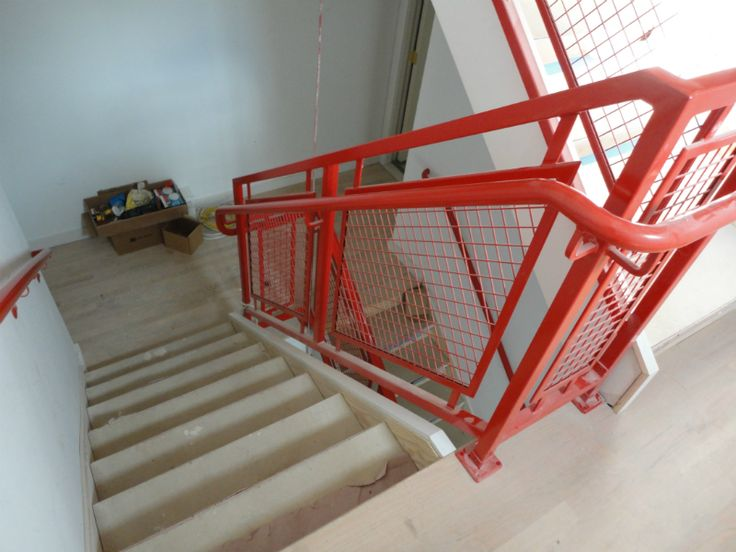 Architectural Wire Mesh Has Numerous Uses From Railing To Stair Guards To  Screens. The Mesh Offers Safety, Privacy And Still Allows Air And Light To  Pass ...