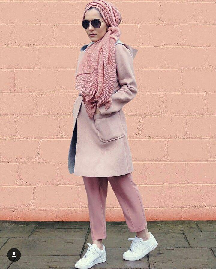 Pinned via #MrsRawabdeh   Love her outfit #dinatokio