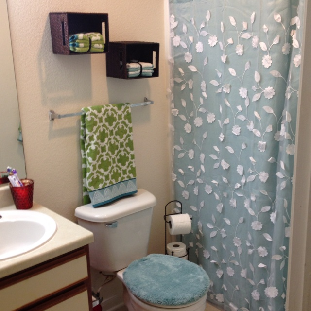 Dorm Bathroom Decorating Ideas 34 best great dorm bathroom ideas images on pinterest | dorm