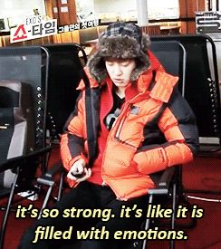 chanyeol and the massage chair (gif)