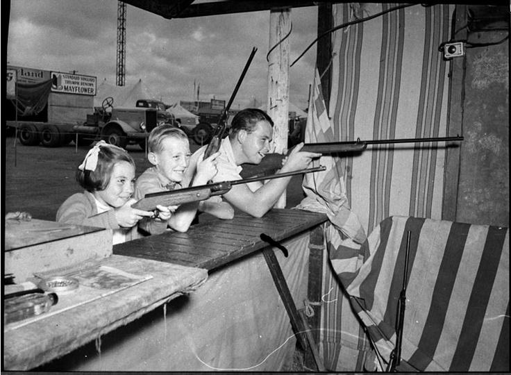 Third day of Newcastle Show (Newcastle, NSW 1957) (photo: Sam Hood)